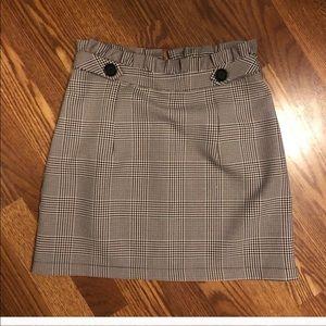 Adorable high waist plaid skirt with ruffle top